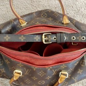 Louis Vuitton Purse (used)